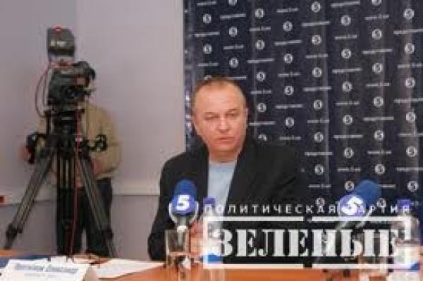 Зеленый человечек Прогнимак поддержал друзей-сепаратистов в Луганске