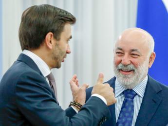 Абызов поставил Вексельберга на опцион