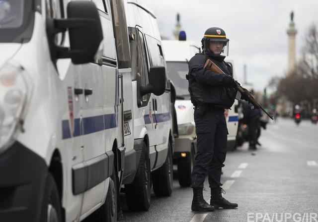 Во Франции снова захватили заложников