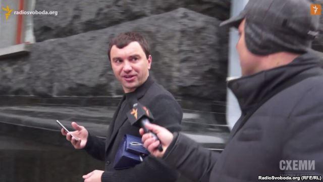 Соратник Яценюка не вважає корупцією дорогий подарунок Турчинову