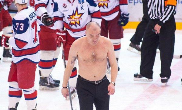 В России подрались главные тренеры хоккейных команд