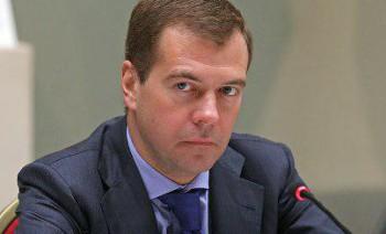 Медведев разрешил Роскомнадзору проверять переписку пользователей социальных сетей