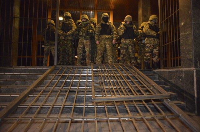 У охранников, которые блокировали «Укрнафту», нет разрешения на оружие
