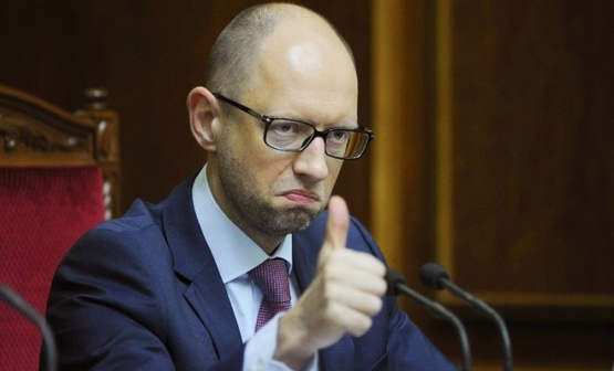 Яценюк неосторожным постом в Facebook спровоцировал волну троллинга