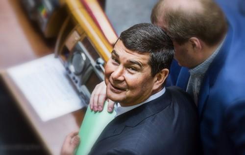 Зачем Онищенко валит Порошенко
