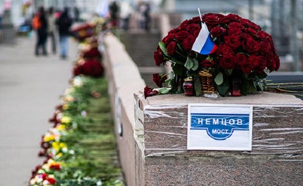 Американский сенатор предложил назвать улицу в Вашингтоне в честь Немцова