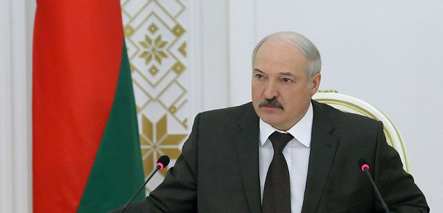 Лукашенко: можно отвернуть голову на площади и тысяче, и двум тысячам отморозков