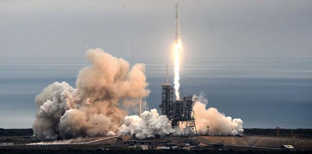 Почему они запускали ракеты,а мы — сельское хозяйство?