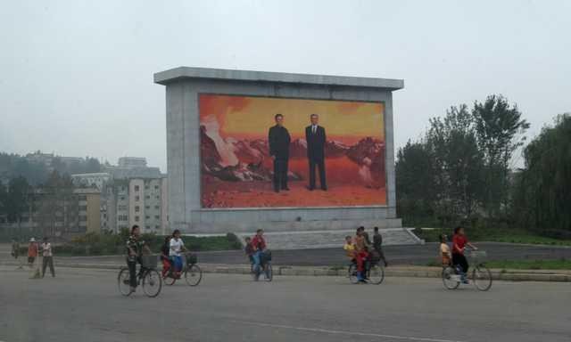 «Я ненавидел эту систему». Сбежавшие из страны северокорейцы рассказали о жизни в КНДР