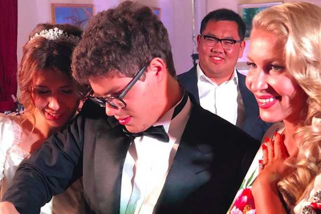Сын Бориса Немцова устроил свадьбу на Рублевке