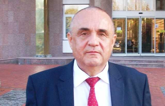 Павел Барнацкий – непотопляемый помощник депутатов