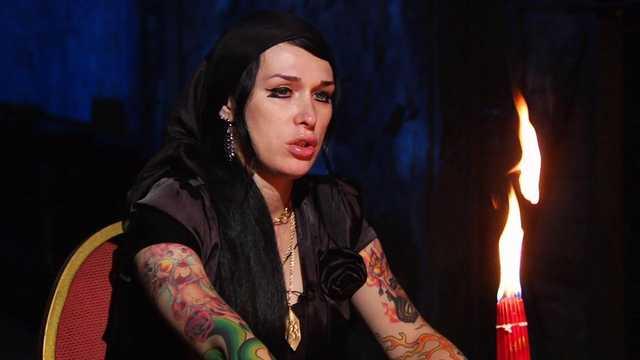 В Киеве банда экстрасенсов выманивала десятки тысяч долларов за магические ритуалы