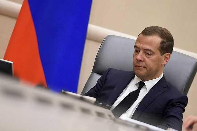 Медведев залечивает спортивную травму, не взяв больничный