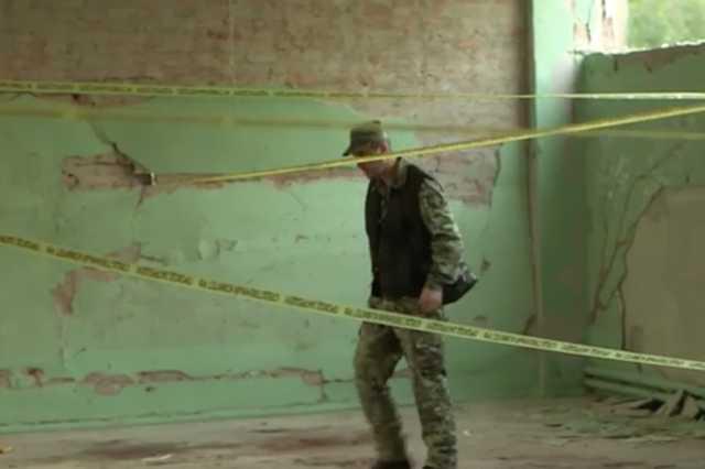 Следы крови, разбитые стекла, дыры в стенах от пуль. Обнародовано видео с места бойни в колледже Керчи