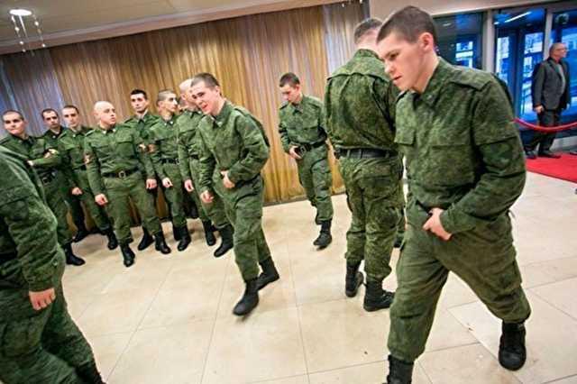 Минобороны потратит на слежку за курсантами в интернете полмиллиарда рублей