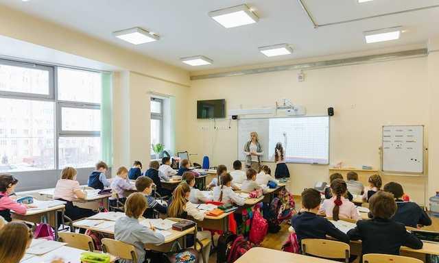 «Смеяться над Путиным — уже экстремизм». В Вологде на шестиклашек натравили полицию из-за «оскорбительных» мемов про учителей