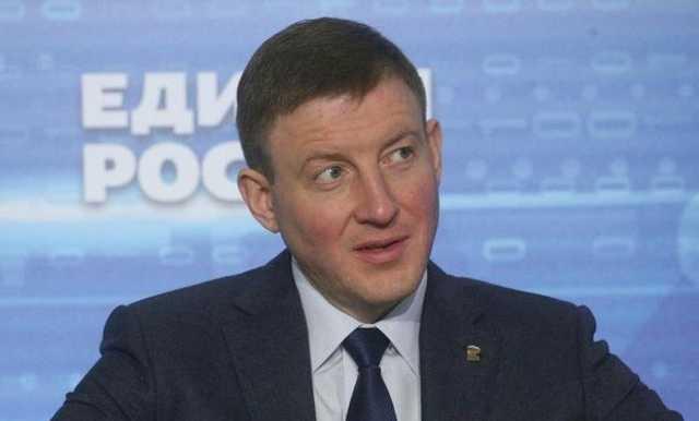 «Нормальная зарплата?» Генсовет «ЕР» раскритиковал решение об увеличении на 280% зарплаты мэру Екатеринбурга