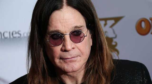 Известный певец экстренно госпитализирован