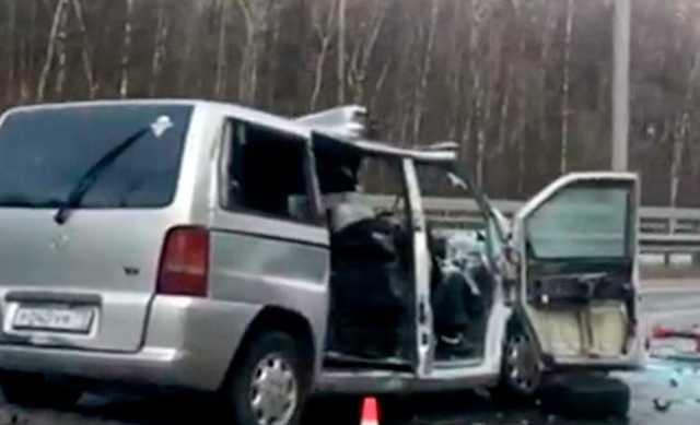 В Домодедово водитель микроавтобуса заснул за рулем: 6 погибших