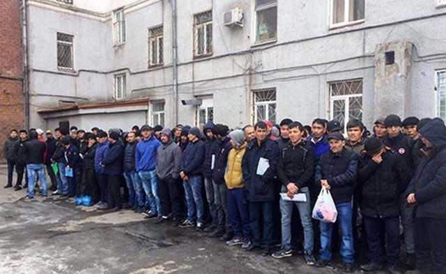 В Иркутске было задержано 280 мигрантов