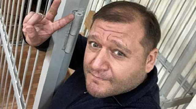 «Чучело дырявое!»: Добкин в эфире набросился на «порохобота» Олешко