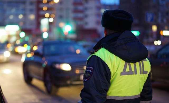 В центре Москвы водитель иномарки с номером «666» обстрелял уборочный трактор