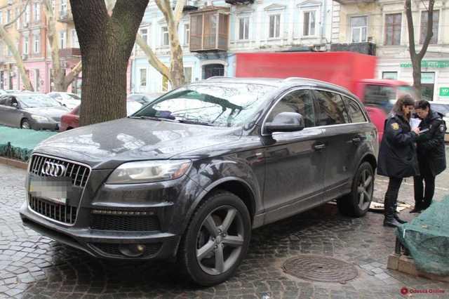 В Одессе под Audi Q7 монаха нашли GPS-трекер