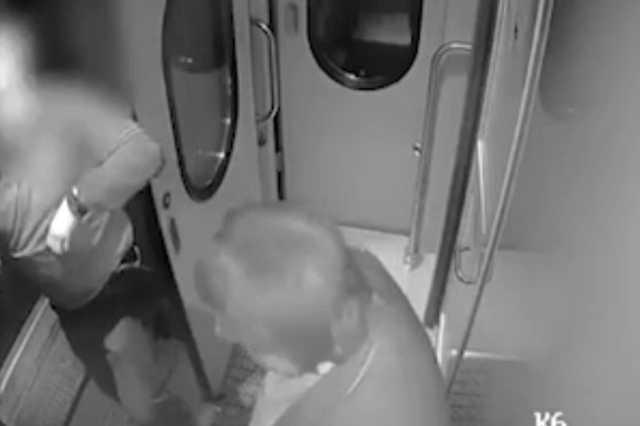 Адвоката, устроившего пьяный дебош в поезде «Петербург-Вологда», заключили под стражу