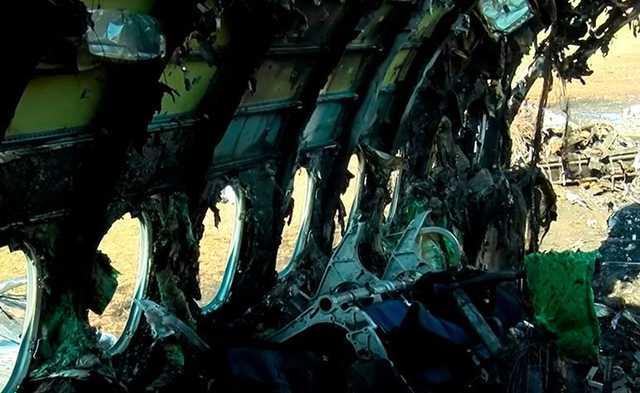 СКР показал на видео салон сгоревшего при посадке в Шереметьево SSJ 100