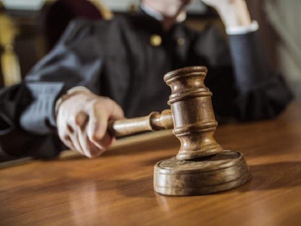 В суде, признавшем незаконной национализацию ПриватБанка, заболели сразу 34 судьи