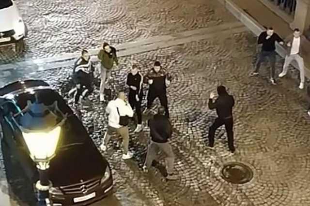 Перед матчем Зенит — ЦСКА произошла массовая драка между болельщиками